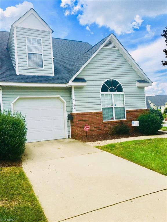 2729 N Keswick Way, Greensboro, NC 27410 (MLS #902074) :: Kristi Idol with RE/MAX Preferred Properties