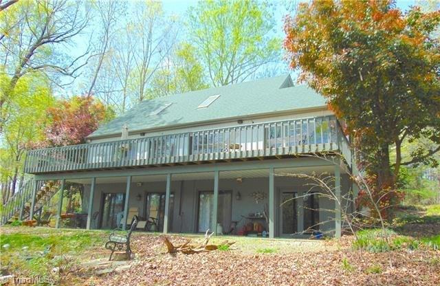 3077 Riverside Drive, Lexington, NC 27292 (MLS #909202) :: Berkshire Hathaway HomeServices Carolinas Realty