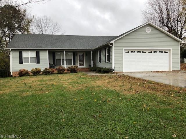 127 Meadowview Road, Mocksville, NC 27028 (MLS #910715) :: Kristi Idol with RE/MAX Preferred Properties