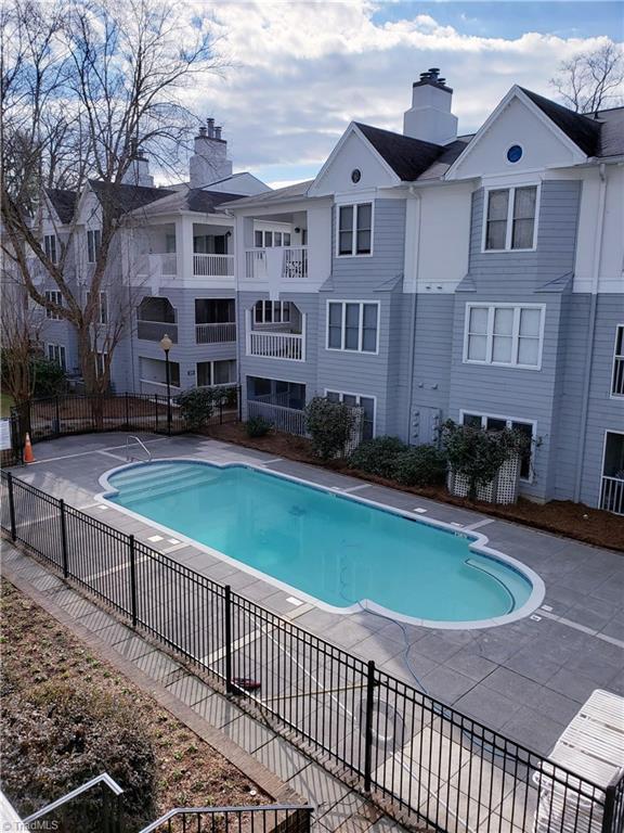 229 Oakwood Court, Winston Salem, NC 27103 (MLS #911158) :: Kristi Idol with RE/MAX Preferred Properties