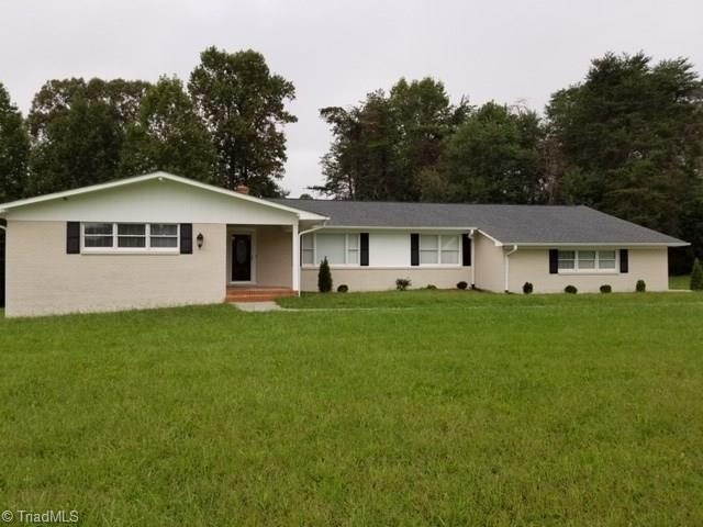 1077 Teague Road, Winston Salem, NC 27107 (MLS #912246) :: Kim Diop Realty Group