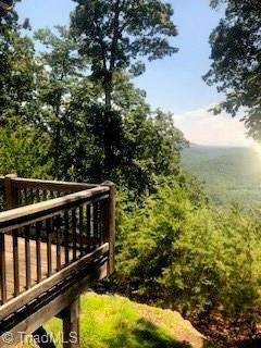 1615 Greenstreet Drive, Traphill, NC 28685 (MLS #918294) :: Berkshire Hathaway HomeServices Carolinas Realty