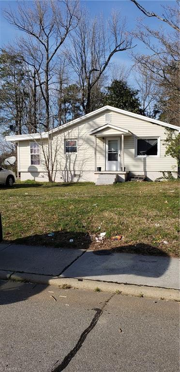 2401 Phillips Avenue, Greensboro, NC 27405 (MLS #925270) :: HergGroup Carolinas