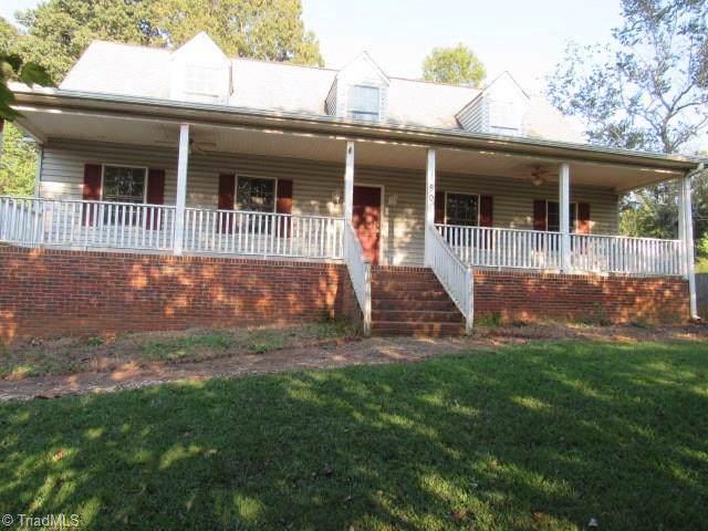 150 Dempsey Avenue, Winston Salem, NC 27107 (MLS #949146) :: Lewis & Clark, Realtors®