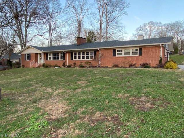 323 Forest Hill Drive, Wilkesboro, NC 28697 (MLS #962533) :: Ward & Ward Properties, LLC