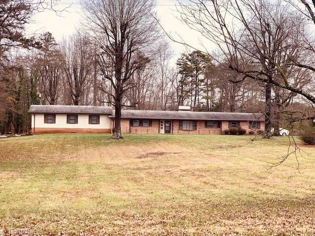 3225 Ray T Moore Road, Yadkinville, NC 27055 (MLS #962685) :: RE/MAX Impact Realty