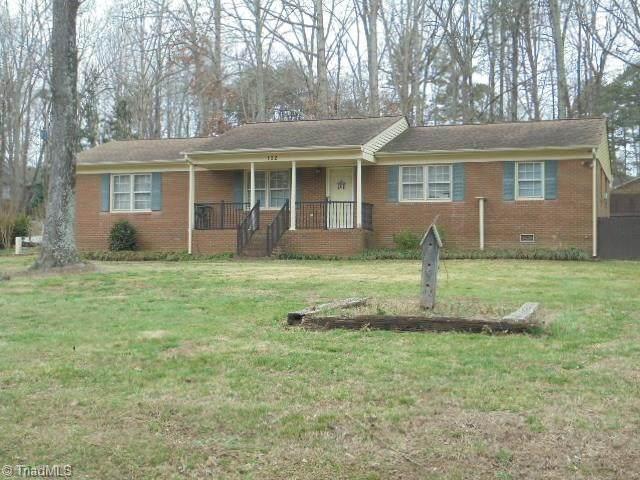 102 Wedgewood Drive, Jamestown, NC 27282 (MLS #966599) :: Berkshire Hathaway HomeServices Carolinas Realty