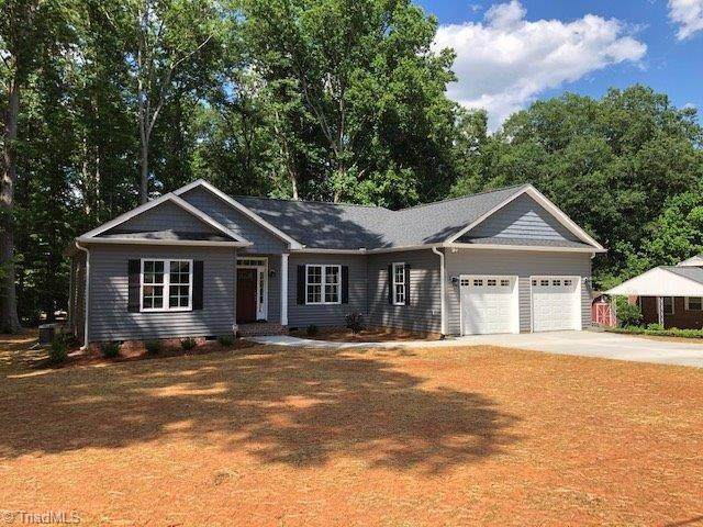 6129 Arden Drive, Clemmons, NC 27012 (MLS #981650) :: Ward & Ward Properties, LLC