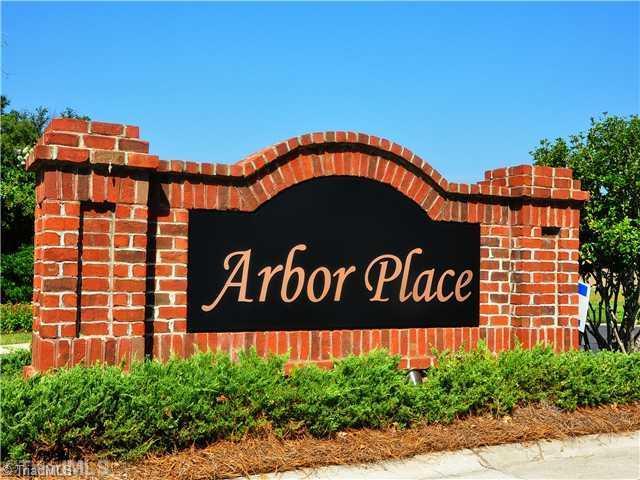2606 Arbor Place, Winston Salem, NC 27104 (MLS #698478) :: Kristi Idol with RE/MAX Preferred Properties