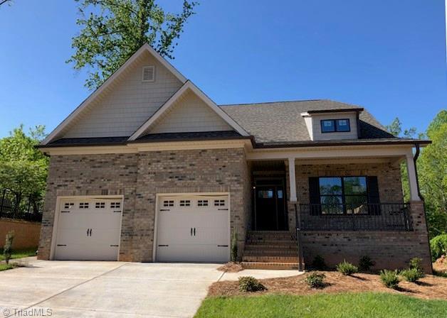 6161 Barrington Oaks Drive, Clemmons, NC 27012 (MLS #875739) :: Kristi Idol with RE/MAX Preferred Properties