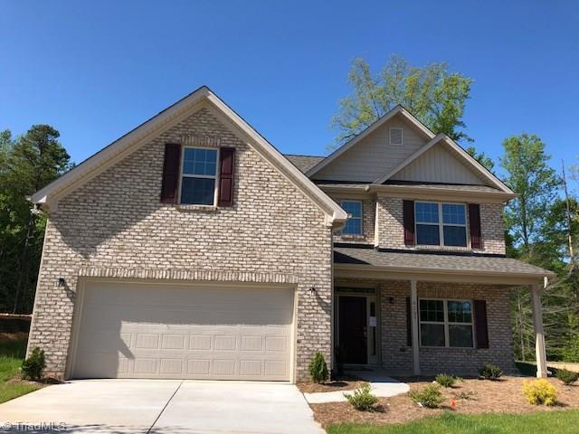 6137 Barrington Oaks Drive, Clemmons, NC 27012 (MLS #873881) :: Kristi Idol with RE/MAX Preferred Properties