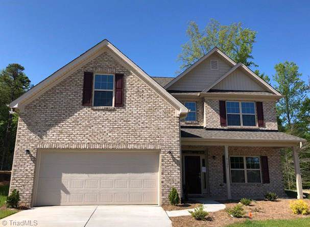 6137 Barrington Oaks Drive, Clemmons, NC 27012 (MLS #873881) :: Ward & Ward Properties, LLC
