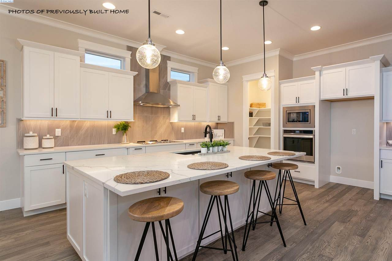 2827 Jefferson - Photo 1