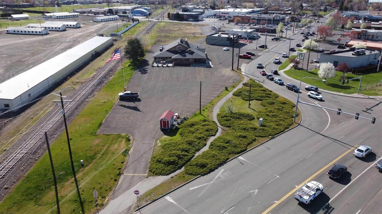 1415 Plaza Way - Photo 1
