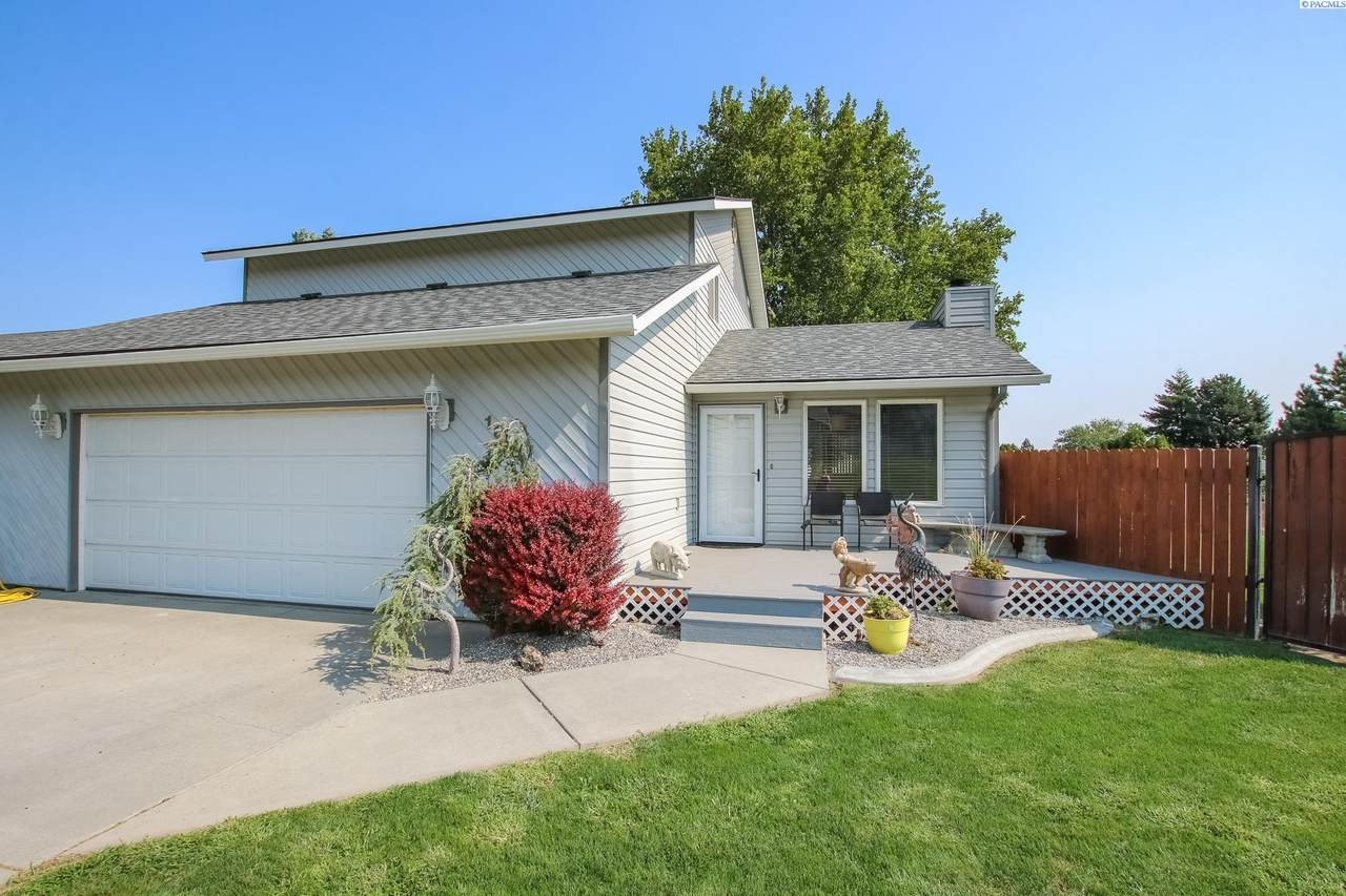 1604 46th Ave - Photo 1
