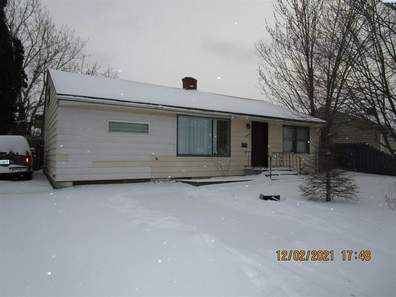 2305 Kennewick Ave - Photo 1