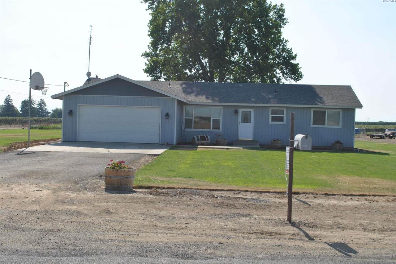1890 County Line Rd - Photo 1