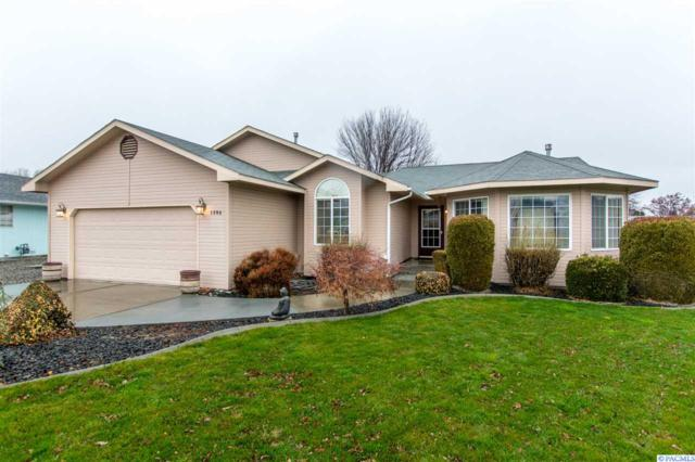 1204 W 43rd Ct, Kennewick, WA 99337 (MLS #226678) :: PowerHouse Realty, LLC
