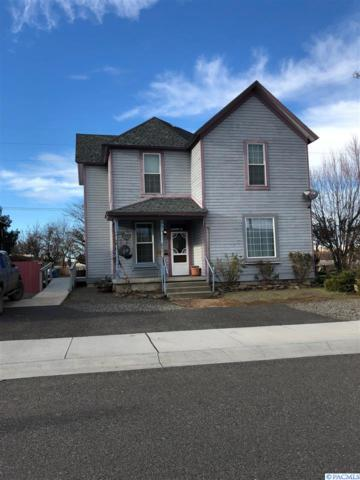 1520 Sheridan Ave, Prosser, WA 99350 (MLS #226879) :: The Lalka Group
