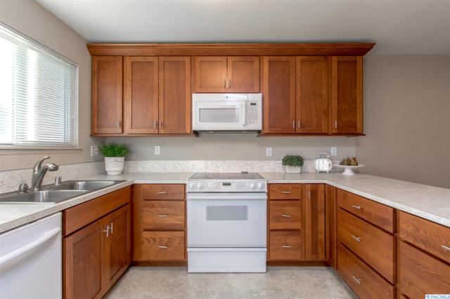 1653 Mowry Square, Richland, WA 99354 (MLS #227348) :: The Lalka Group