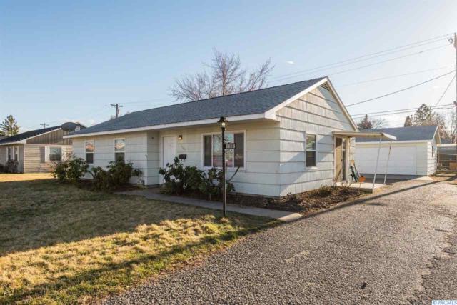 1107 Acacia Ave, Richland, WA 99354 (MLS #227352) :: The Lalka Group