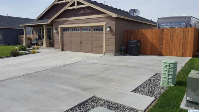 5613 Denver Dr, Pasco, WA 99301 (MLS #227358) :: The Lalka Group
