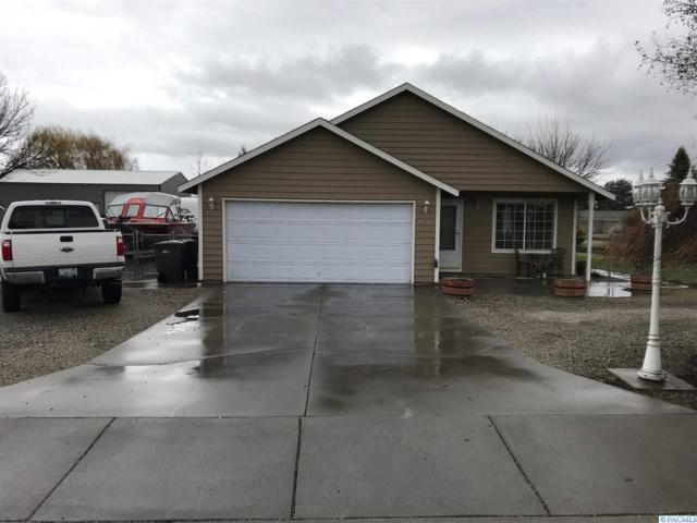 3409 S Cascade, Kennewick, WA 99337 (MLS #227367) :: The Lalka Group