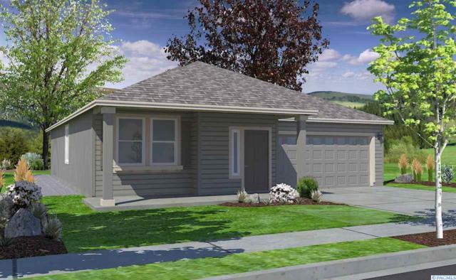 650 SW Wheat Ridge Drive, Pullman, WA 99163 (MLS #227368) :: The Lalka Group