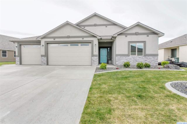 3330 Village Parkway, Richland, WA 99354 (MLS #228970) :: The Lalka Group