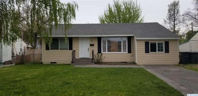 1921 W 2nd Ave, Kennewick, WA 99336 (MLS #228983) :: Dallas Green Team