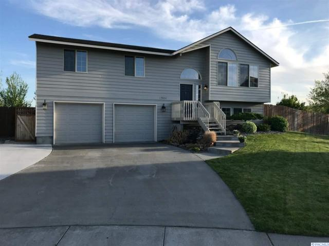 4504 N 44th Place, Pasco, WA 99301 (MLS #229130) :: The Lalka Group