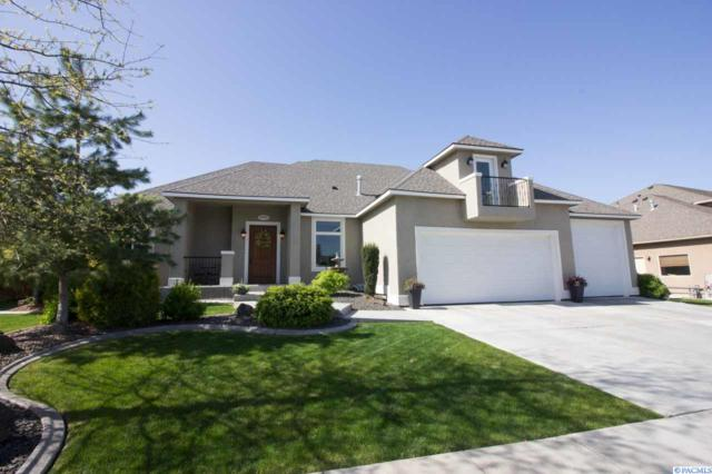 3905 W 47th Ave, Kennewick, WA 99337 (MLS #229153) :: The Lalka Group