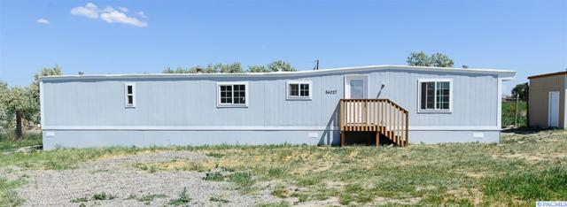 54027 N Frazier Rd, Benton City, WA 99320 (MLS #229772) :: Premier Solutions Realty