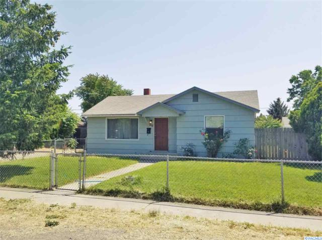 202 E 14th Ave, Kennewick, WA 99337 (MLS #230131) :: Premier Solutions Realty