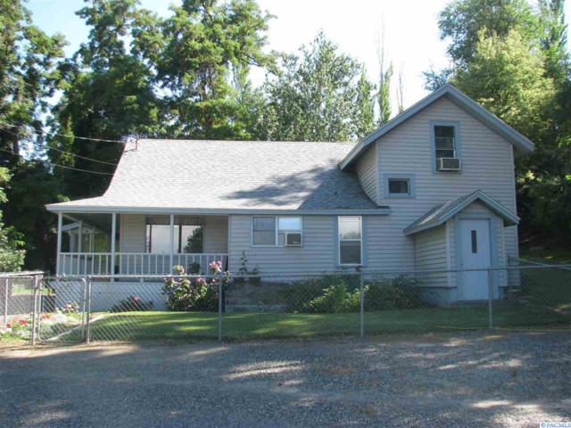 2401 S Dayton Street, Kennewick, WA 99337 (MLS #230481) :: Premier Solutions Realty
