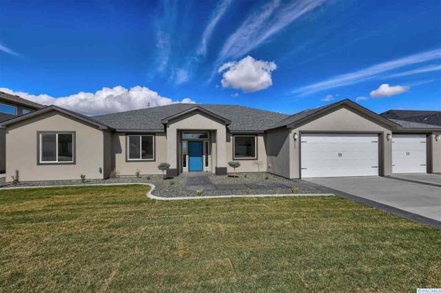 6749 Argos Street, West Richland, WA 99353 (MLS #231237) :: The Lalka Group