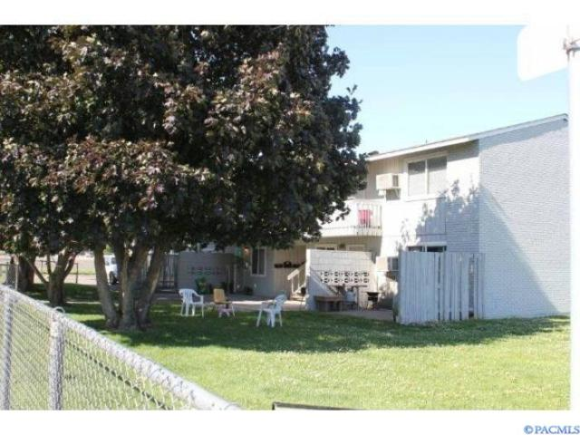 2041 W Pearl St, Pasco, WA 99301 (MLS #231339) :: Premier Solutions Realty