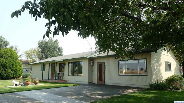 219 E Maple St., Burbank, WA 99323 (MLS #232056) :: Premier Solutions Realty