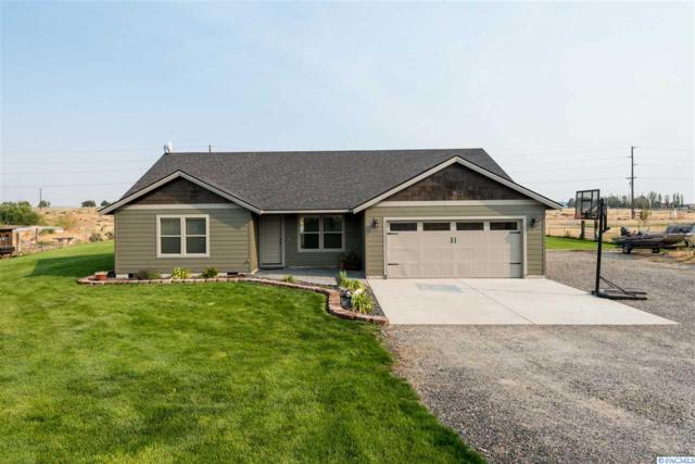 25904 Karlyn Loop, Benton City, WA 99320 (MLS #232394) :: The Lalka Group