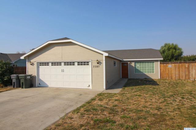 2507 Butte Court, Pasco, WA 99301 (MLS #232397) :: The Lalka Group
