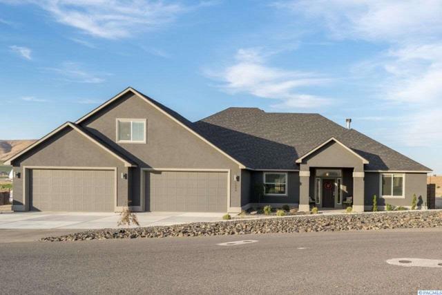 1303 S Coulee Vista Drive, Kennewick, WA 99338 (MLS #232563) :: Dallas Green Team