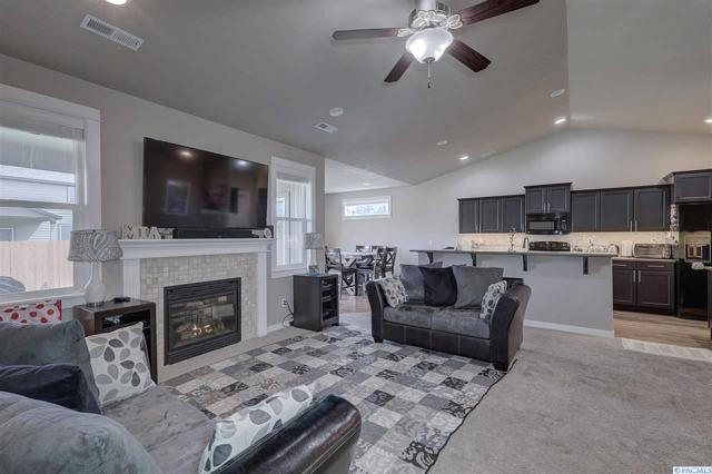 401 S Taft Street, Kennewick, WA 99336 (MLS #232631) :: Premier Solutions Realty