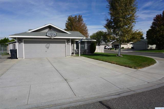 6011 Dodger Dr., Pasco, WA 99301 (MLS #232730) :: The Lalka Group