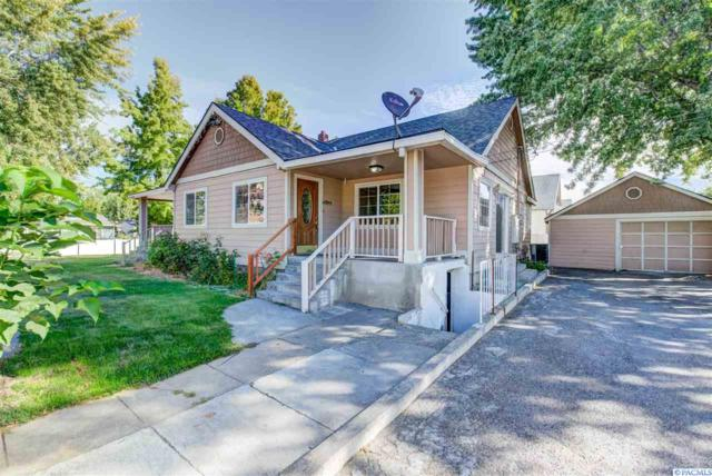 321 N 6th Ave, Pasco, WA 99301 (MLS #232744) :: The Lalka Group