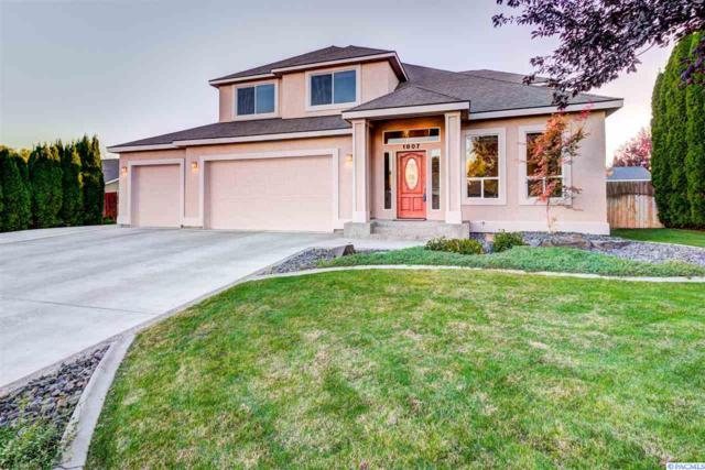 1807 S Highlands Blvd, West Richland, WA 99353 (MLS #232870) :: Premier Solutions Realty