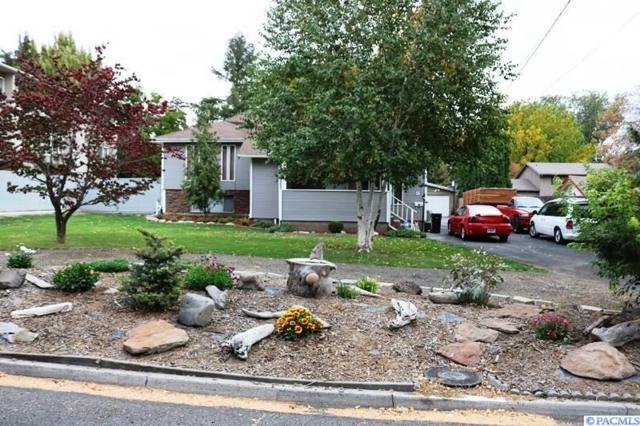 9 N 37th Avenue, Yakima, WA 98902 (MLS #232938) :: Premier Solutions Realty