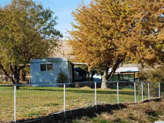 7401 E Kiona Rd, Benton City, WA 99320 (MLS #233530) :: Community Real Estate Group
