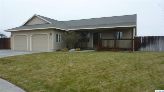 3810 Meadow View Ct., Pasco, WA 99301 (MLS #233836) :: The Lalka Group