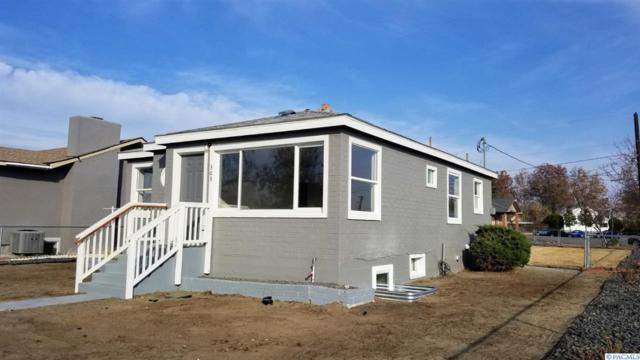 303 N 12th, Pasco, WA 99301 (MLS #233879) :: The Lalka Group