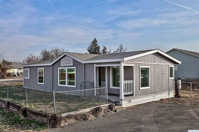 512 S Waldemar Ave., Pasco, WA 99301 (MLS #233911) :: The Lalka Group